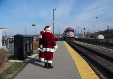 Santa-on-the-train-_-Polar-Express-10